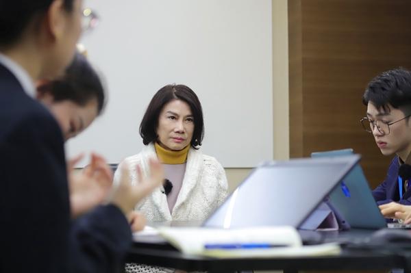 《初入职场的我们》董明珠实习生接手策划活动,张翰竟让王玥当宣传组长
