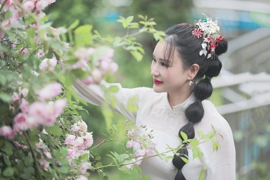 青年歌手邓超予新歌《爱在长阳》上线,携手央视再现家乡美