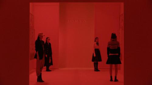 JORYA 发布2021秋季时装秀,延续品牌工艺美学