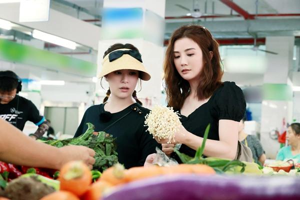 """Twins《完美的夏天2》热播中 阿sa阿娇挑战""""魔鬼秋千""""超刺激"""