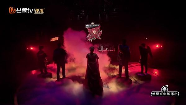 """《说唱听我的2》首公舞台被赞""""神仙打架"""" 尤长靖高音瞩目carry全组"""